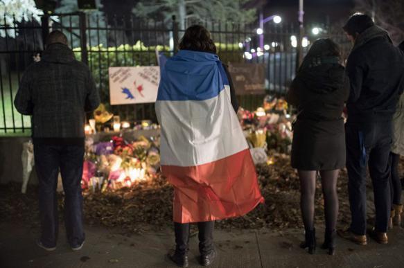 В Париже запретили пиротехнику