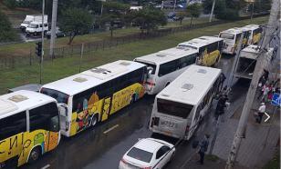 В Ростове-на-Дону столкнулись шесть автобусов с детьми