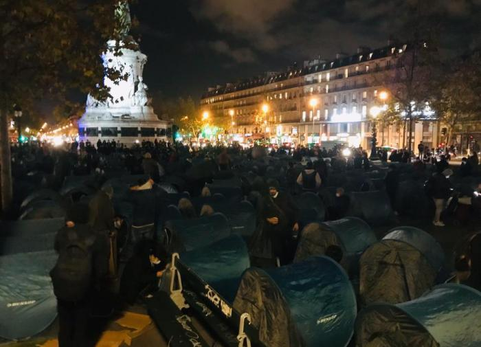 Французская полиция снесла палаточный лагерь мигрантов в центре Парижа