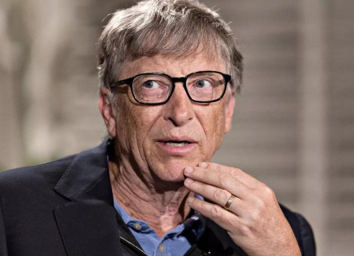 Кому нужна третья доза вакцины от COVID-19, объяснил Билл Гейтс