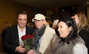 Аркадий Укупник лишает жену родительских прав