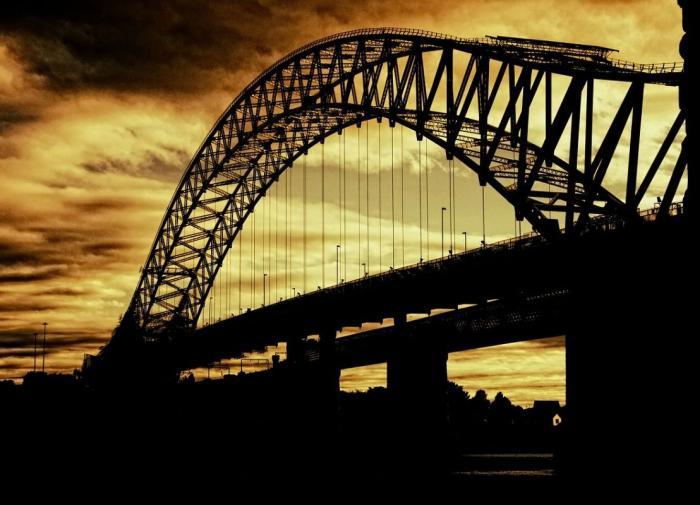 """Американцы назвали мост в честь популярного персонажа из """"Симпсонов"""""""