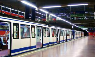 В Мадриде задержали пассажира метро, точившего нож в вагоне