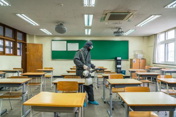 Открытие школ в Южной Корее опять отложили