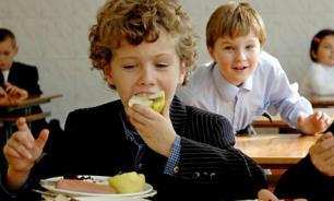 Диетолог порекомендовала кормить школьников 6 раз в день