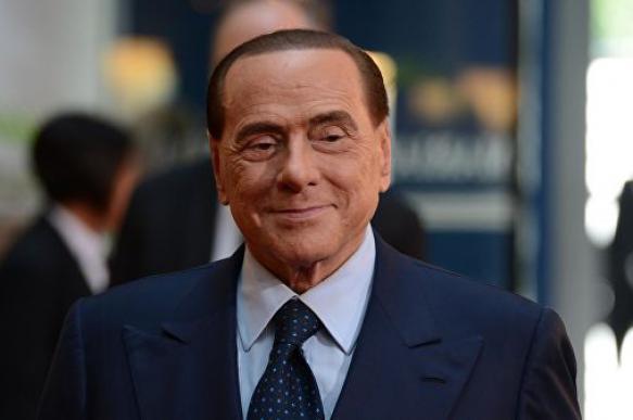 Берлускони восстанавливается после операции на кишечнике
