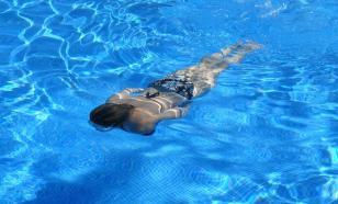 Хлорированная вода в бассейне убивает COVID-19 за 30 секунд