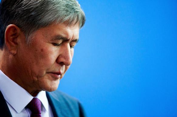Атамбаеву предъявили новые обвинения по двум уголовным делам