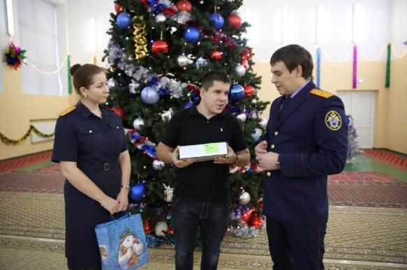 Следователи исполнили мечту юного инвалида из Сергиева Посада