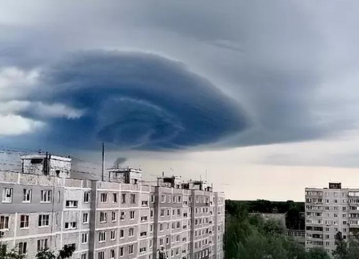 """Жителей района Орехова-Зуева напугало """"торнадо"""""""