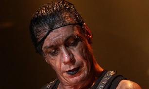 Лидер Rammstein исполнил советскую песню на русском языке — видео