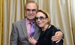 Глеба Панфилова и Инну Чурикову обокрали в аэропорту Мадрида