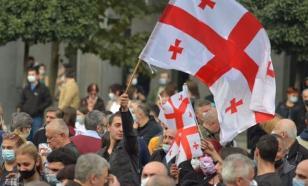 """""""Нас должно собраться очень много"""": в Грузии не стихают протесты"""