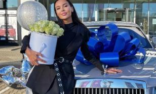 Оксану Самойлову упрекают в том, что она не бросила мужа