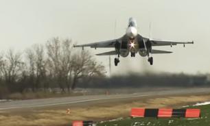 """""""По войне аэродромы разбомбят"""": зачем самолеты ВКС садились на шоссе"""