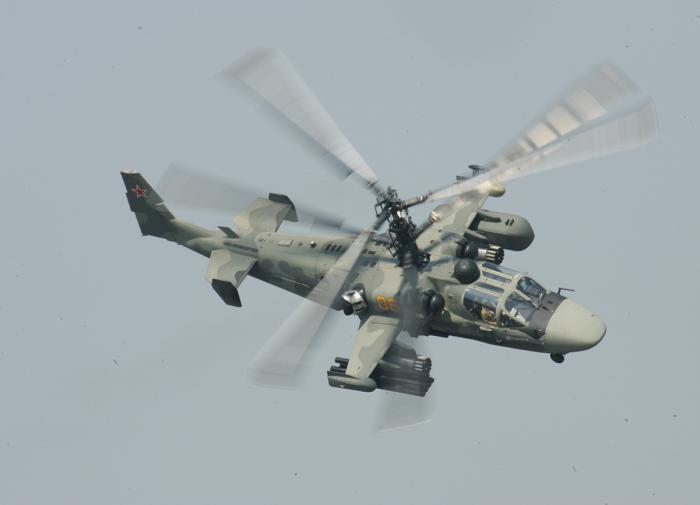 Российский и американский вертолёты чуть не столкнулись в небе над Сирией