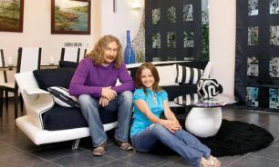 Дом Игоря Николаева и Юлии Проскуряковой: небольшой коттедж из натуральных материалов
