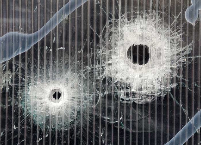 В калифорнийском ТЦ мужчина застрелил посетителей и погиб сам