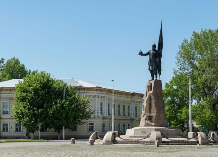Против Ермака: почему протестуют против памятников атаману