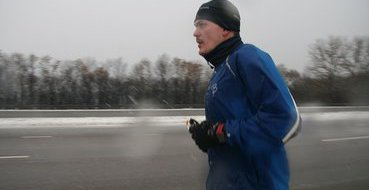 Погода проверяет на прочность Ерохина, бегущего из Москвы в Сочи
