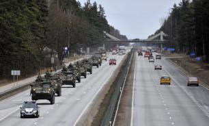 """Русскоязычные """"неграждане"""" Латвии посоветовали властям оценить риски от пребывания сил НАТО в стране"""