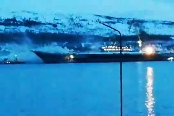 "Один человек погиб при пожаре на ""Адмирале Кузнецове"""
