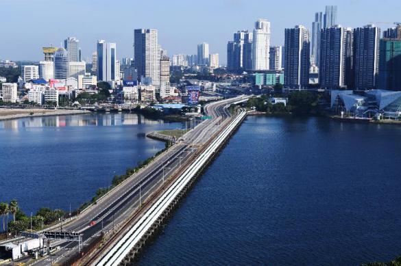 Власти Сингапура выплатят гражданам по 1,1 тыс. доллара