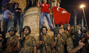 Мятежный турецкий контр-адмирал попросил убежища в США