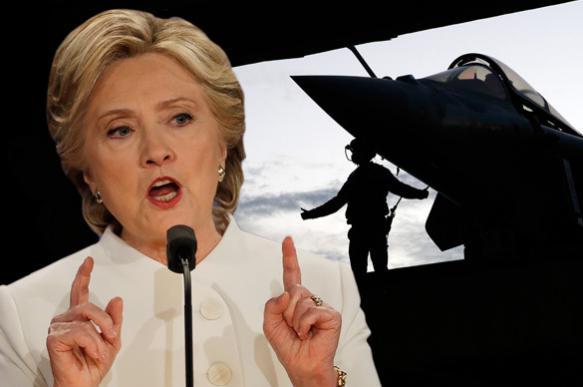 Суд в США возобновил дело о переписке Хиллари Клинтон