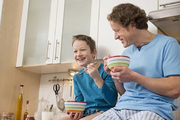 Роскачество рассказало, чем кормить ребенка с утра
