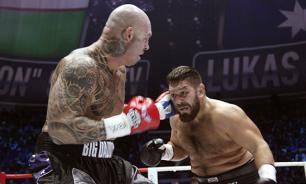 Боксер Руслан Чагаев обвинил судью в ранней остановке боя