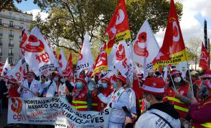 На улицах французских городов протестуют медицинские работники