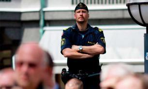 Туристов в Европе грабят полицейские