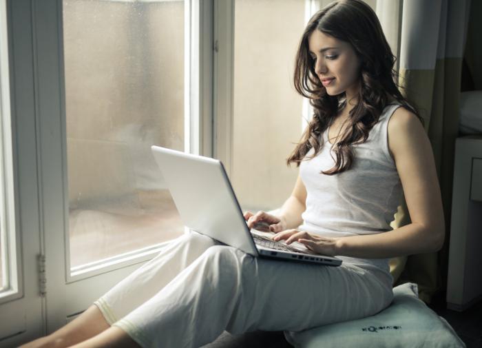 """Психолог: """"Увлечение онлайн-знакомствами может привести к одиночеству"""""""