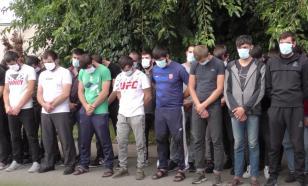 """Власти Чечни вернули домой парней за """"недостойное поведение"""" в Москве"""