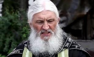 При задержании отца Сергия пострадали три монахини