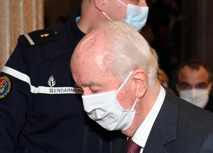 Во Франции начался суд над бывшим премьер-министром
