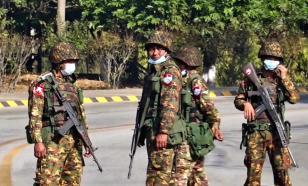 """Байден потребовал """"вернуть на место"""" правительство Мьянмы"""