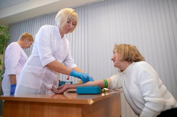 В больницах Петербурга возобновили плановые медосмотры