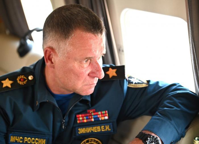 Тело погибшего на учениях главы МЧС РФ Зиничева спецрейсом доставят в Москву