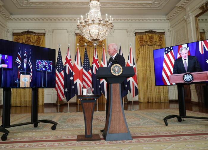 Альянс трёх против Китая: США и Британия вооружат Австралию