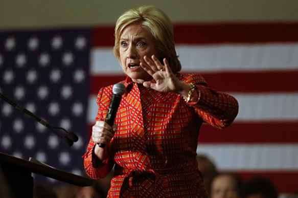 Клинтон обвиняет! Злодеи - Трамп, Сандерс и Путин