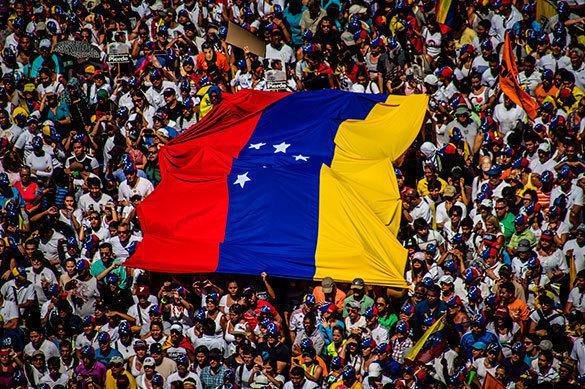 Переворот в Венесуэле: сможет ли Мадуро удержать власть