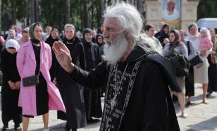 У Среднеуральского женского монастыря собрались сторонники Сергия