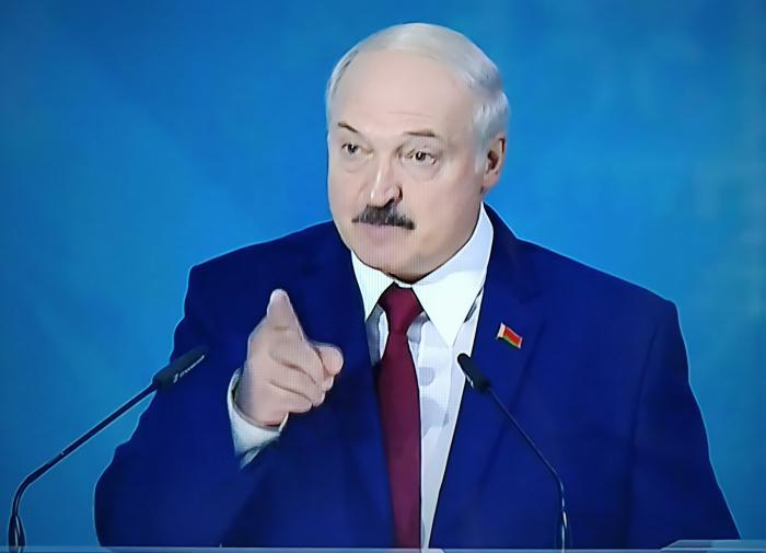 Лукашенко рассказал про ломаные гроши и обломки империи