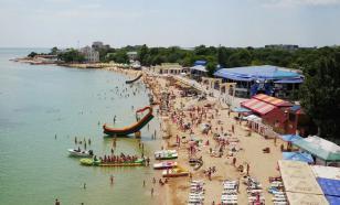Охранник с нагайкой прогнал отдыхающих с крымского пляжа