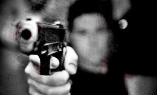 В Сургуте юноша отказывался идти в школу, угрожая родителям пистолетом
