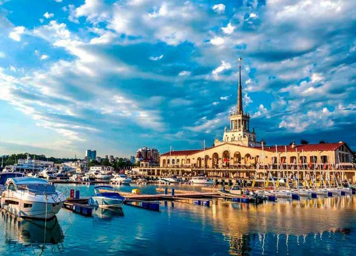 В конце осени россияне собрались ехать в Сочи, Ялту и Петербург