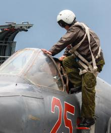 """В Приморье пилотам штурмовиков Су-25 пришлось приземляться на """"зараженный"""" аэродром"""