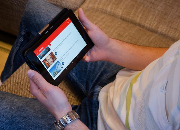 YouTube будет использовать ИИ для поиска взрослого контента